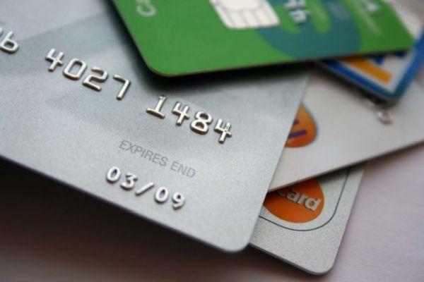 Πιστωτική κάρτα: Τι σημαίνουν οι αριθμοί που βρίσκονται επάνω