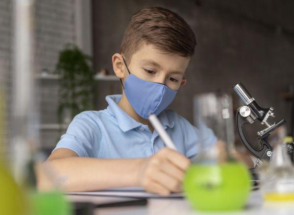 Πόσα self test δικαιούνται οι μαθητές – Πότε μπορούν να τα παραλάβουν από τα φαρμακεία