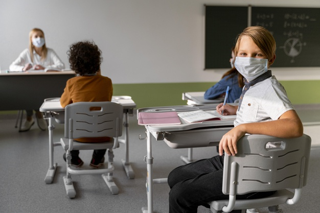 Self test – Σχολεία: Τι ισχύει από Δευτέρα – Πώς εκδίδεται η σχολική κάρτα