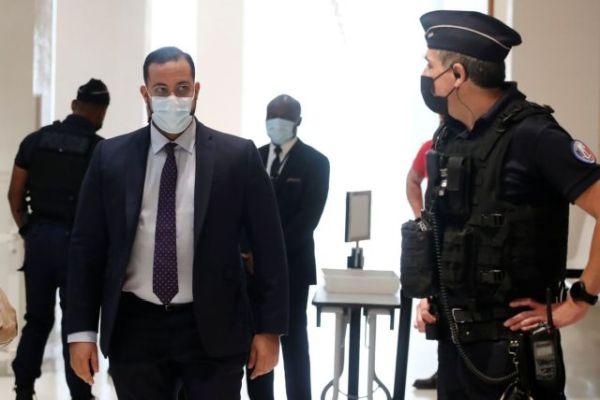 Μακρόν: Στη Δικαιοσύνη ο πρώην σωματοφύλακάς του – Κατηγορείται για ξυλοδαρμό διαδηλωτών