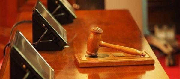 Εργοδότης καταδικάστηκε σε φυλάκιση γιατί εκβίαζε τους εργαζόμενους