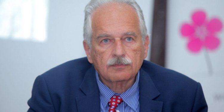 Κωνσταντίνος Γουργουλιάνης στον ΤΑΧΥΔΡΟΜΟ: «Είμαι και θα παραμείνω μάχιμος γιατρός»