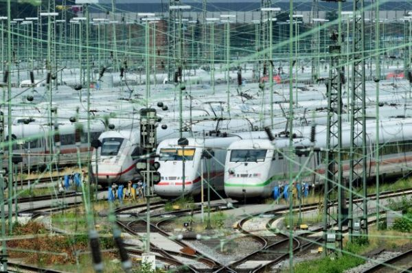 Eurostat: Μειώθηκε η επιβατική κίνηση στα τρένα το α' τρίμηνο – Η θέση της Ελλάδας