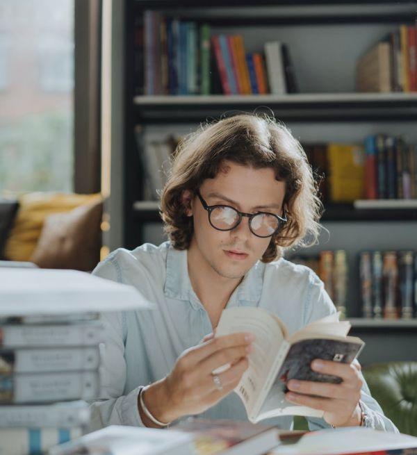Τρεις εφαρμογές για να πουλήσετε τα βιβλία σας
