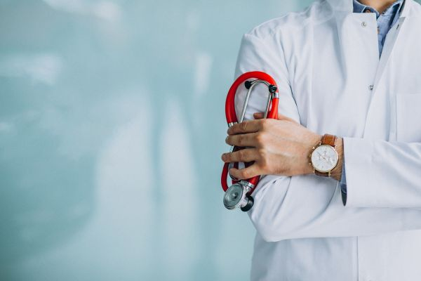 Οσμή σκανδάλου με φόντο εμβολιασμούς ~ Στο μικροσκόπιο τουλάχιστον τρεις περιπτώσεις