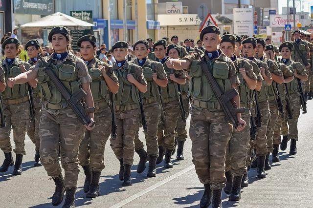 ΣτΕ: Αντισυνταγματικό το ελάχιστο ανάστημα για την είσοδο γυναικών στις στρατιωτικές σχολές