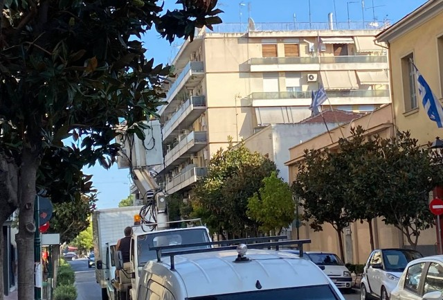 Εργασίες του Δήμου Βόλου για τα φωτάκια σε Ιάσονος και Δημητριάδος