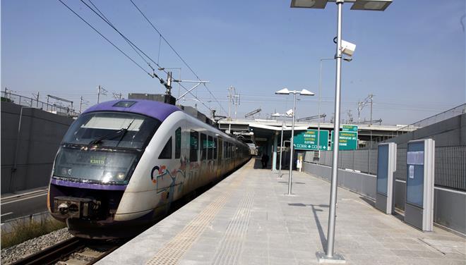 Σύγκρουση τρένου με αυτοκίνητο στα Κάτω Πατήσια
