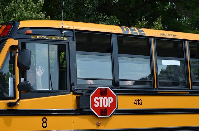 Βάρκιζα: Ξέχασαν δίχρονο κοριτσάκι μέσα σε σχολικό λεωφορείο επί τέσσερις ώρες