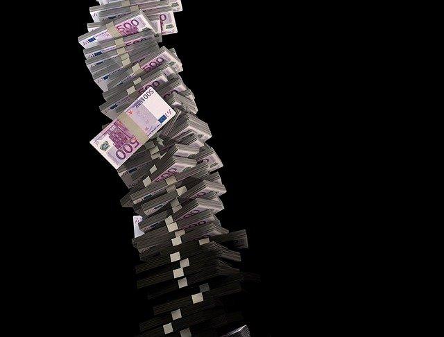Πόσοι και πόσα χρωστούν στην Εφορία