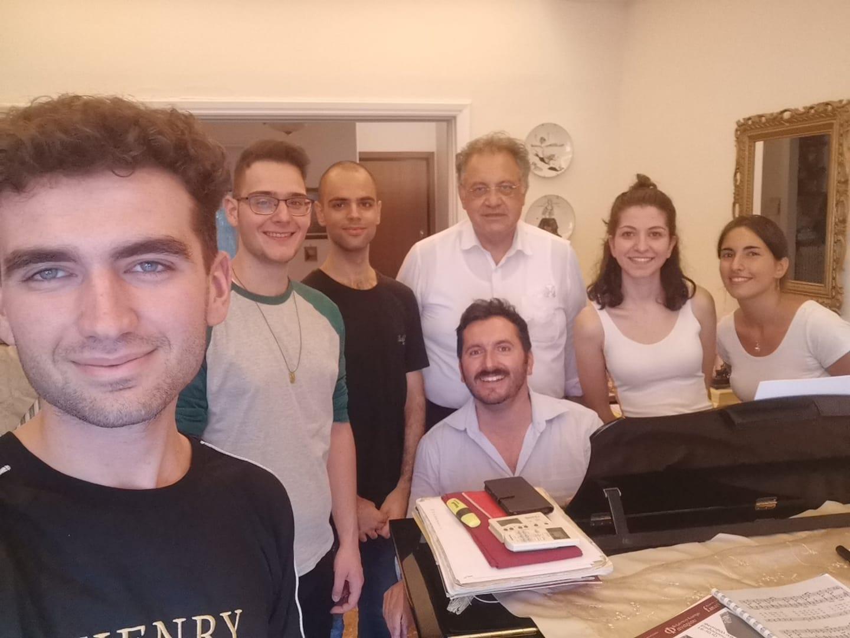 Αναχωρεί σήμερα για την Ιταλία η μικτή νεανική χορωδία Καρδίτσας