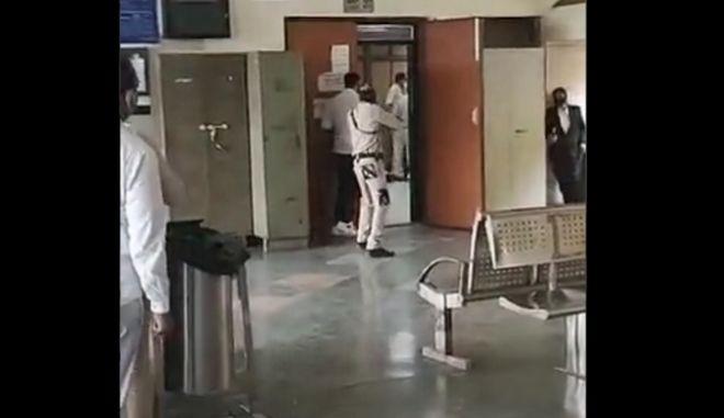Ινδία: Γκάνγκστερ εκτέλεσαν αρχηγό της μαφίας μέσα στο δικαστήριο