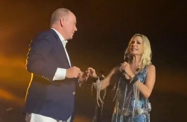 Άννα Βίσση: Χαμός στη συναυλία της στο Μόντε Κάρλο – Ο χορός με τον πρίγκιπα Αλβέρτο