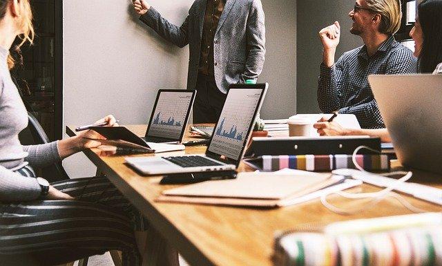 Έρευνα ΣΕΒ: Αυτά είναι τα πιο περιζήτητα επαγγέλματα – Ποιες είναι οι υψηλότερες αμοιβές