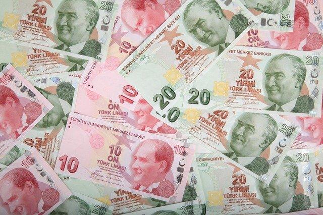 Τουρκία: Νέα «βουτιά» για τη λίρα