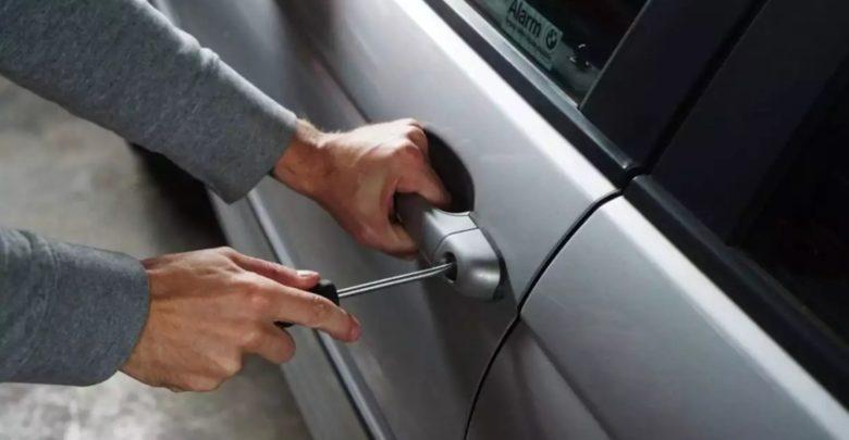Δήμος Τεμπών: Βρήκαν το δράστη που έσπασε τζάμι αυτοκινήτου και άρπαξε σχεδόν 10.000 ευρώ