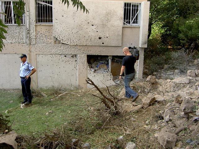 Λίβανος: Δύο εκρήξεις στη Βηρυτό – Ένας νεκρός και οκτώ τραυματίες από πυρά