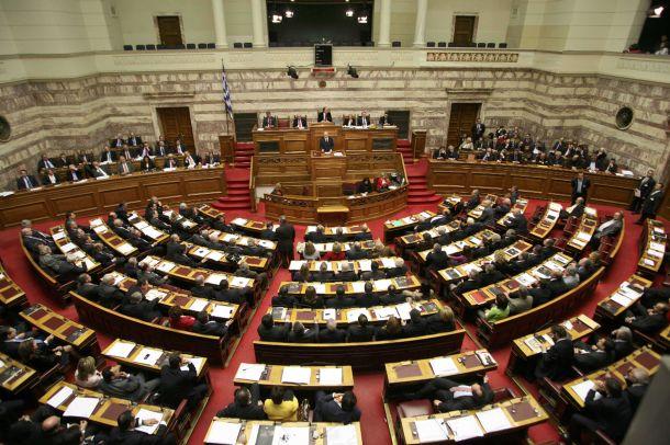 Βουλή: Αναβάλλεται η συζήτηση Μητσοτάκη – Τσίπρα για την πανδημία