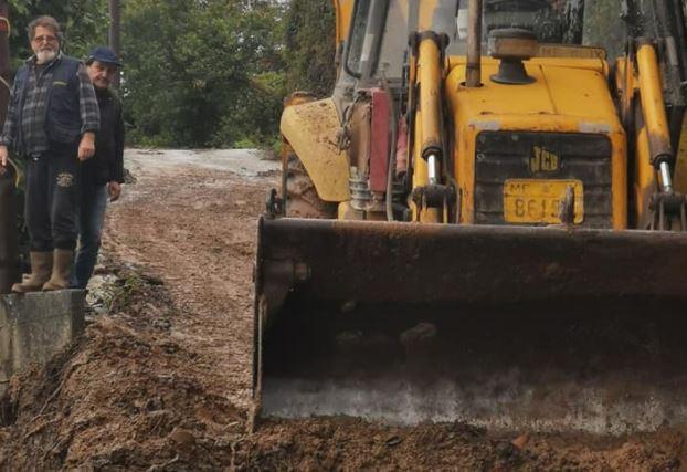 Σε πλήρη εξέλιξη οι εργασίες αποκατάστασης του οδικού δικτύου σε Κεραμίδι & Βένετο