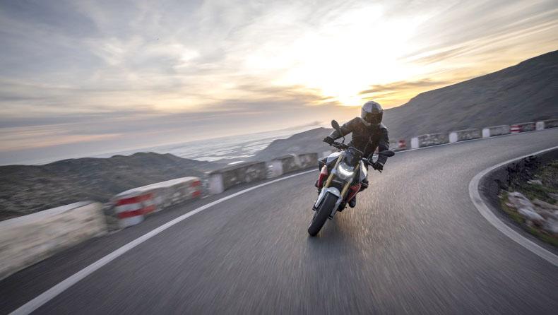 Μοτοσικλέτες σε …πορεία ασφάλειας
