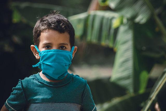 Η μεταλλάξη «Δέλτα» αύξησε έως και 5 φορές τις νοσηλείες σε παιδιά και εφήβους