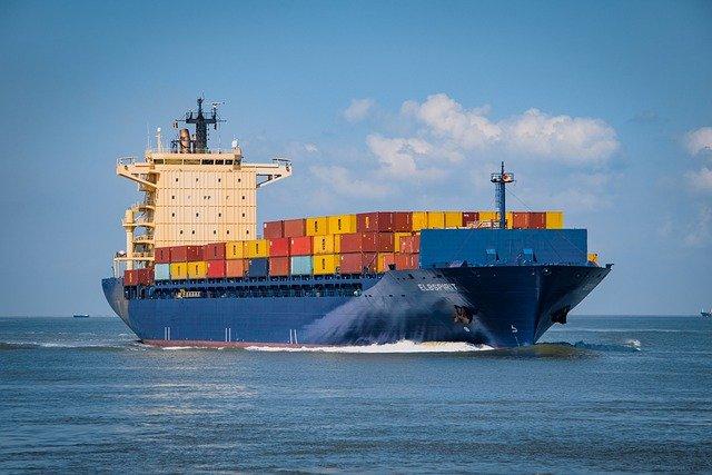 Ναυλώνουν πλοία για να «σώσουν» τα Χριστούγεννα