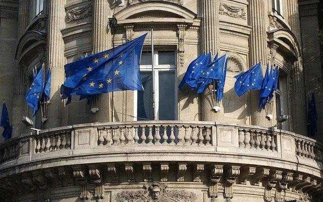 Οδικός Χάρτης για την επανεξέταση της οικονομικής διακυβέρνησης της ΕΕ από την Κομισιόν