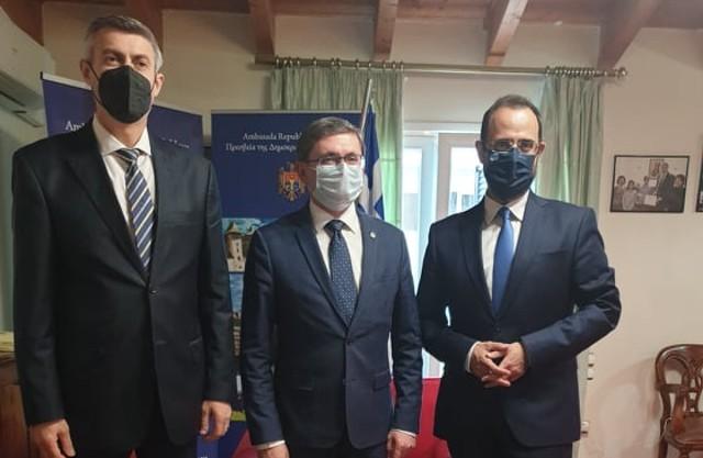 Θερμή συνάντηση του Κων. Μαραβέγια με τον πρόεδρο του Κοινοβουλίου της Μολδαβίας