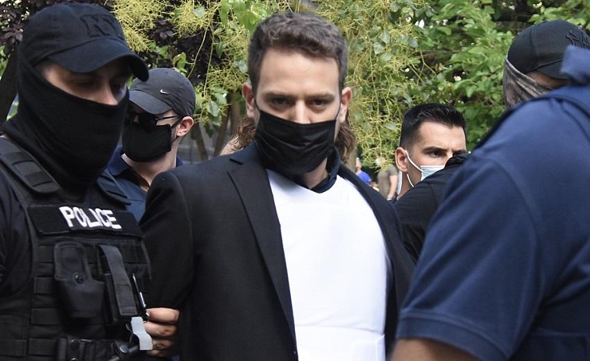 Μπάμπης Αναγνωστόπουλος:  Διαψεύδει ότι είχε παράλληλη σχέση