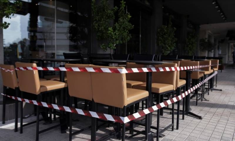 Καφετέρια  στον Βόλο  εξυπηρετούσε  4 πελάτες  χωρίς πιστοποιητικά