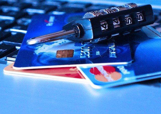 Στη «φάκα» 6 εταιρείες για φοροδιαφυγή μέσω διαδικτύου από την ΑΑΔΕ