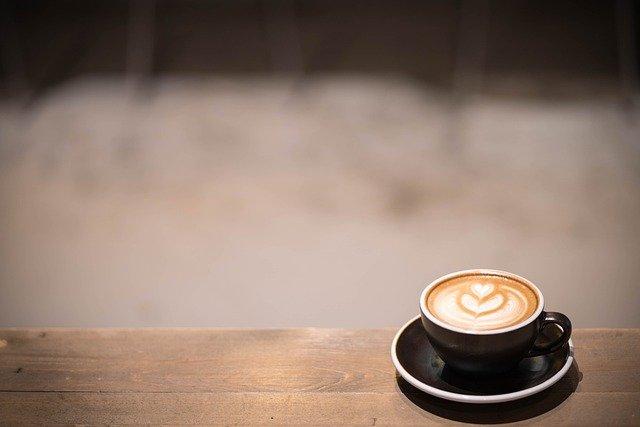 Λάρισα: Πήγε να πιει καφέ και ξάφρισε δύο πορτοφόλια με μεγάλο χρηματικό ποσό!