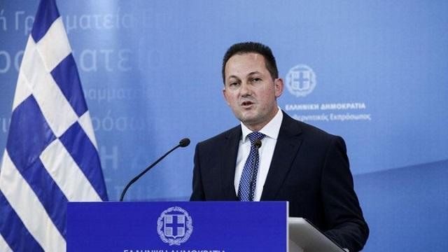 Διαψεύδει νέα μέτρα για τον κορονοϊό ο Στέλιος Πέτσας