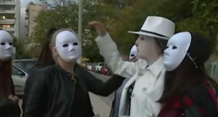 Επίθεση με βιτριόλι: Η Ιωάννα, η ελπίδα και οι φίλες με τις μάσκες