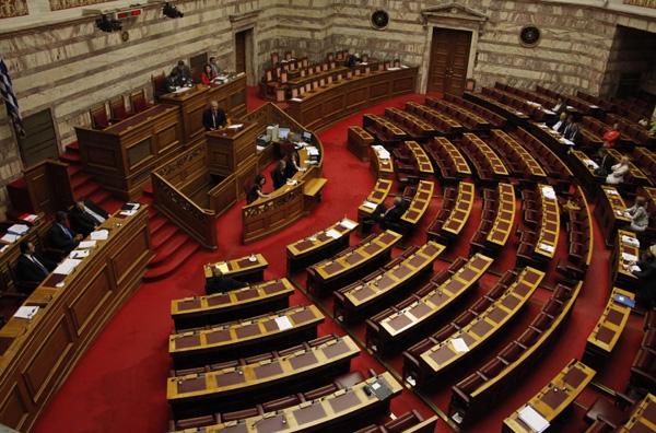 Σε παράταξη οι «στρατοί» στη Βουλή