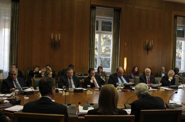Επί ξυρού ακμής η Κυβερνητική Επιτροπή και η Κ.Ο. ΠΑΣΟΚ