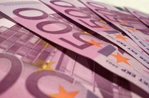 Νοέμβριο οι αποφάσεις για τους φόρους του 2011