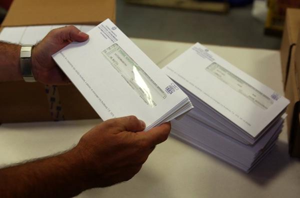 Επιπλέον φόροι 5,3 δισ. ευρώ το 2012