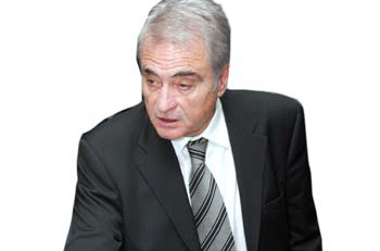 Γιδόπουλος: «Η Νίκη δεν σταματά στον Χαραλαμπίδη»