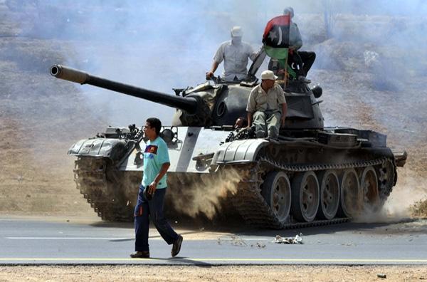 Οι Τουαρέγκ κρύβουν τον Καντάφι στα σύνορα