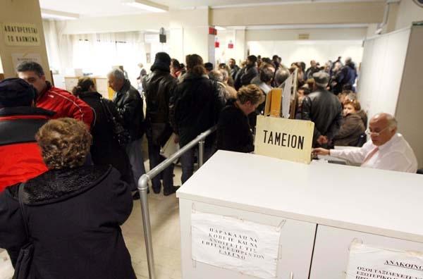 Σε συνεχή ανηφόρα κινείται η ανεργία