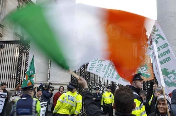 Λιτότητα 15 δισ. ευρώ στην Ιρλανδία