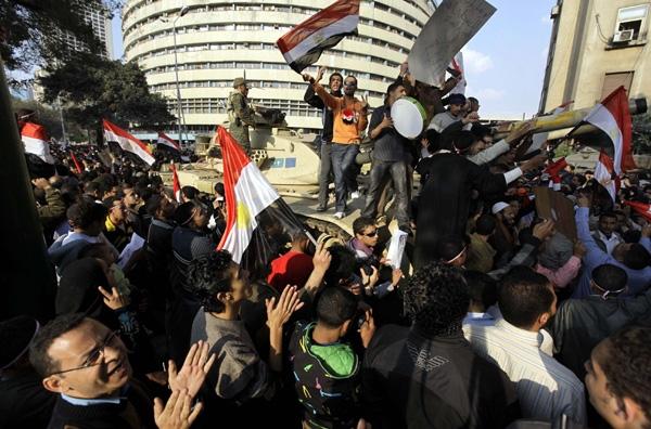 Παραιτήθηκε ο Χόσνι Μπουμπάρακ