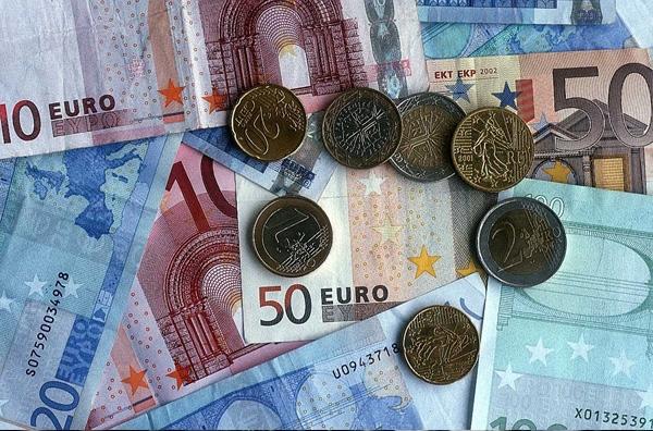 Δάνειο 50 δισ. ευρώ για την επαναγορά χρέους