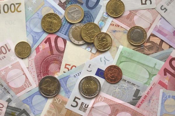 Διακανονισμό του ελληνικού χρέους εξετάζει η Ε.Ε.