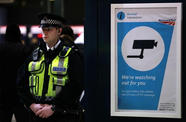 Τρομοκρατική επίθεση φοβούνται οι Βρετανοί