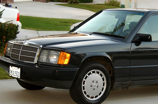 Υπερχρεωμένος έμπορος... έκλεψε τη Mercedes του!