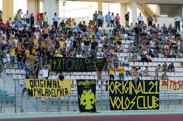 Με κόσμο η ΑΕΚ στο Πανθεσσαλικό