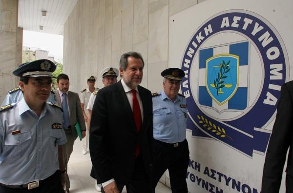 Διάλυση ειδικών αστυνομικών ομάδων