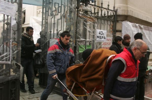 Λύση της απεργίας πείνας ή απέλαση